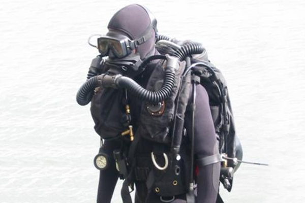 Military Dive Rebreathers