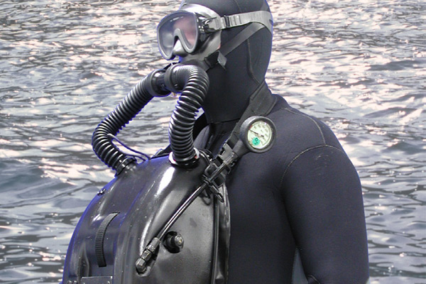 Military Dive Rebreathers2