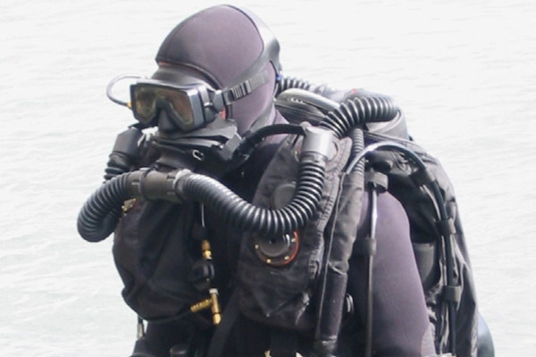 Military Dive Rebreathers10