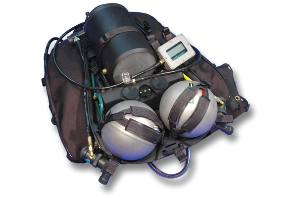Military Dive Rebreathers11