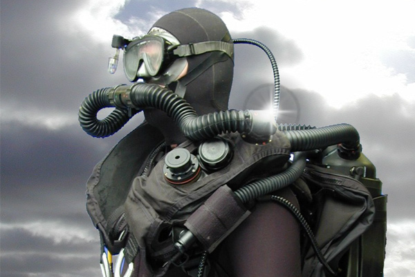 Military Dive Rebreathers12