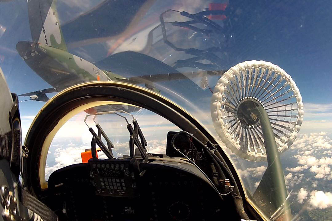 First Airborne Contact for KC-390 Wing Air Refuelling Pods